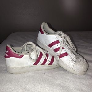 💞Pink and white adidas superstars💞